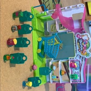 Shopkins everything in picture included